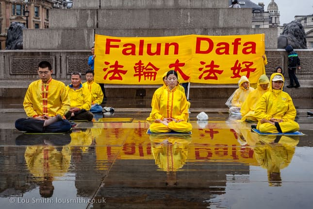 Falun Dafa in Trafalgar Square